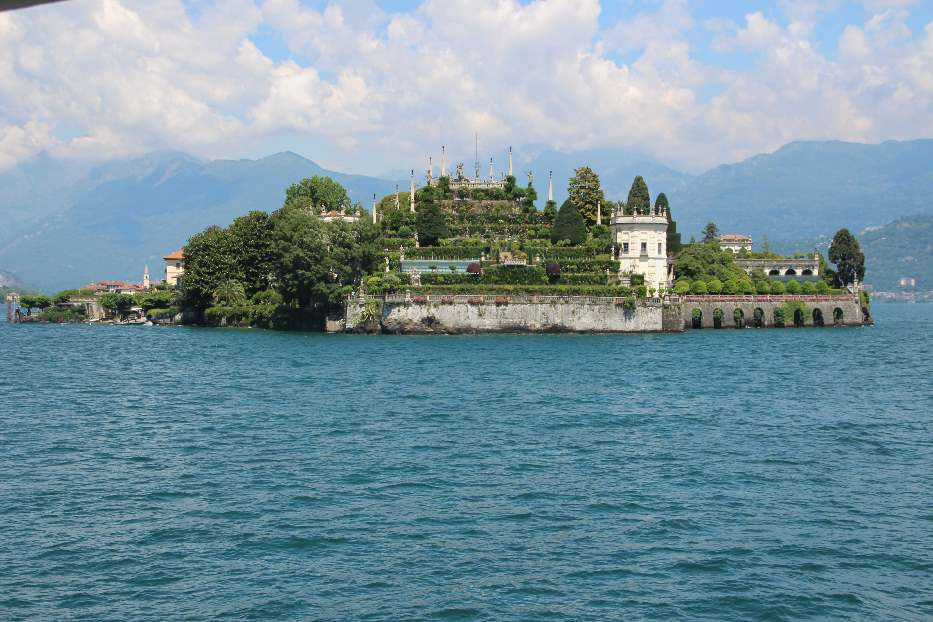 The palace and gardens of Isola Bella from the ferry
