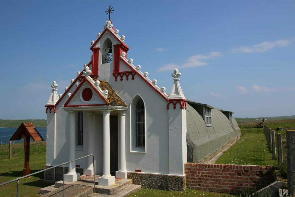 Nissan hut behind facade of Italian Chapel