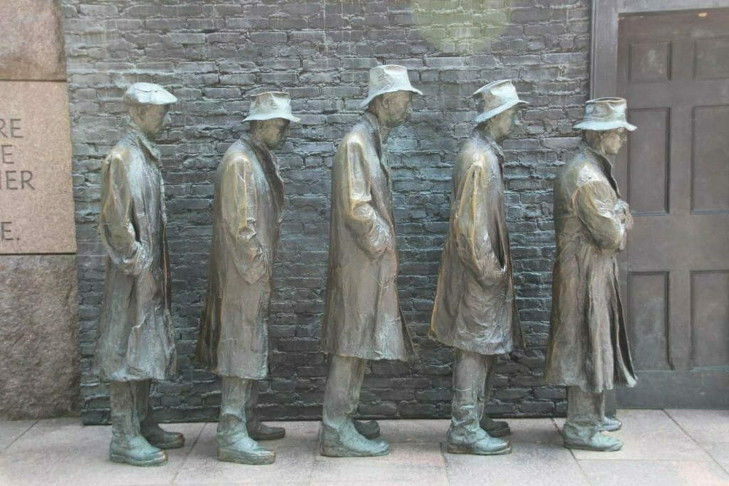 FD Roosevelt Memorial Sculpture depicting the depression years