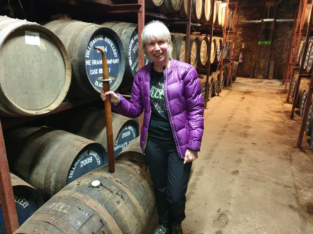 Holding the stealer in the whisky distillery warehouse