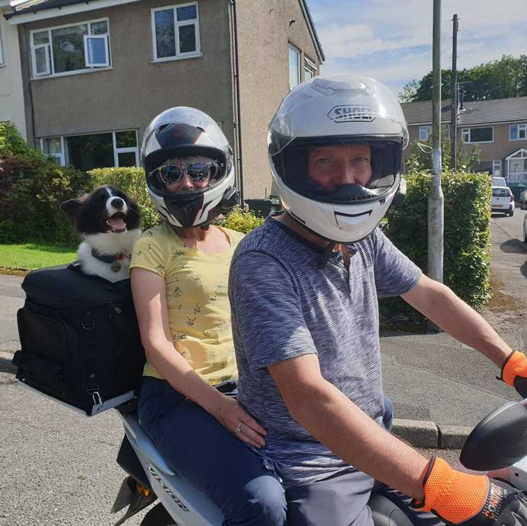 Travelling with a dog on the scooter