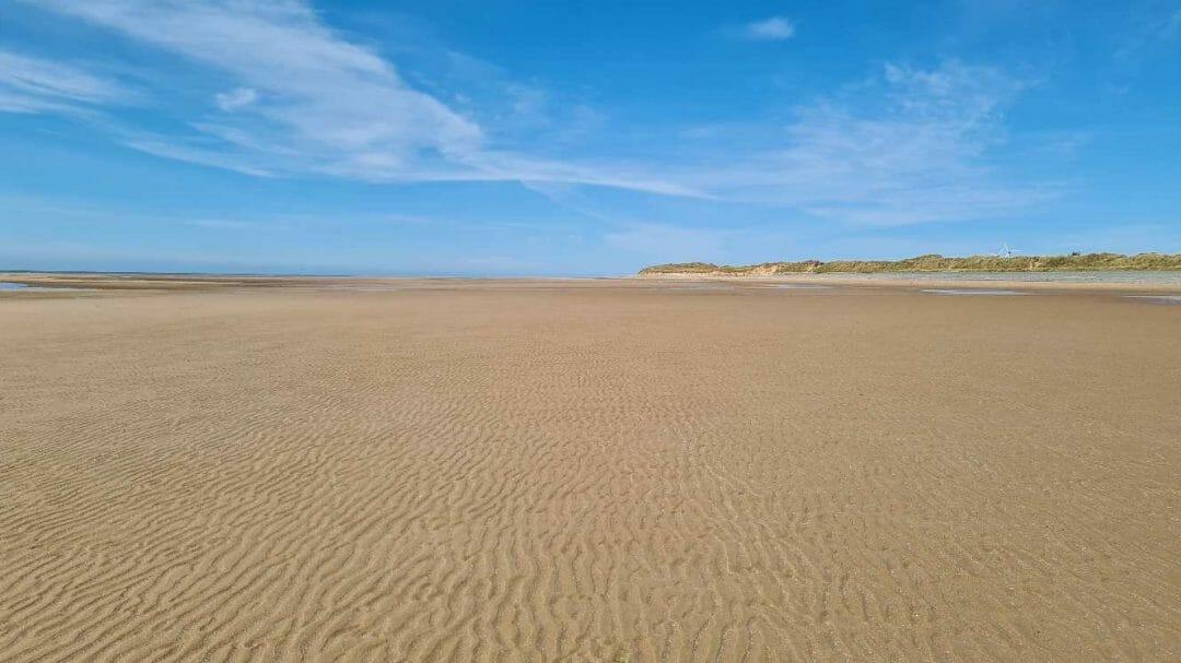Expanse of sandy beach at Silecroft