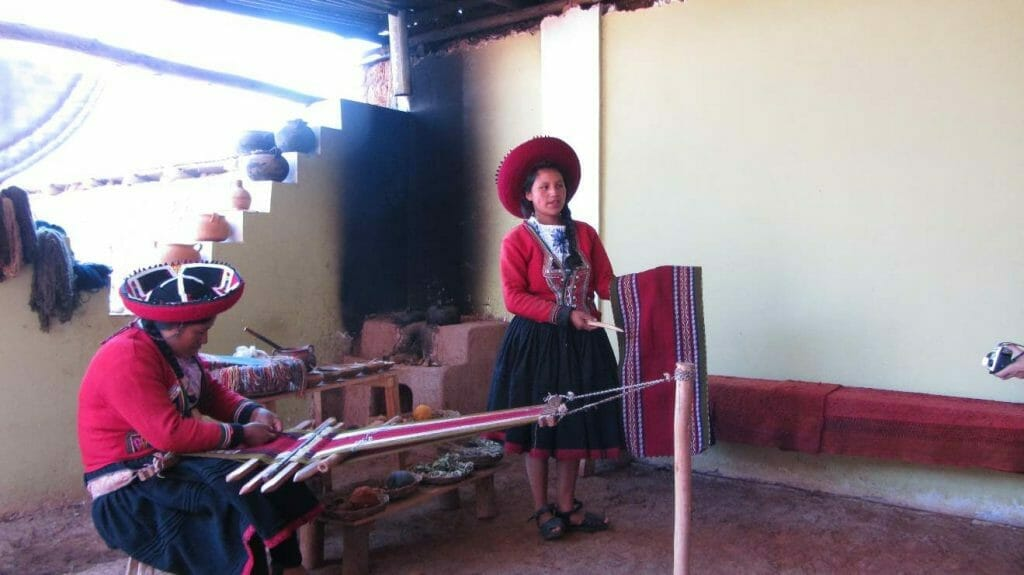 Weaving demonstration in Chinchero